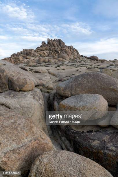 alabama hills - hill range stock pictures, royalty-free photos & images