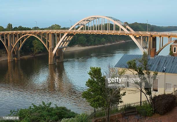 alabama, selma, edmund pettus bridge - edmund pettus bridge stock pictures, royalty-free photos & images