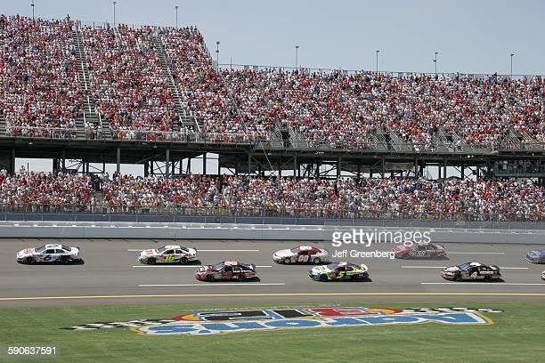 Alabama Talladega Superspeedway Aarons 499 Nascar Nextel Cup Series Fans Grandstands Stock Car Race Track