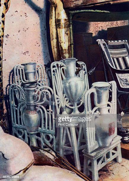 Alabaster vases Tutankhamun's tomb Egypt 19331934 The discovery of Tutankhamun's tomb in 1922 by British archaeologist Howard Carter was one of the...