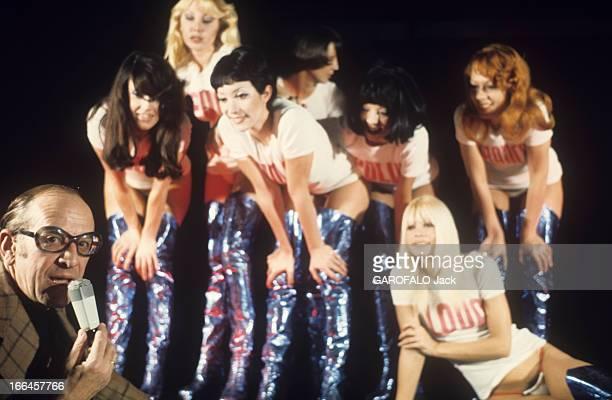 Alain Bernardin In His Cabaret The Crazy Horse Saloon. Paris - janvier 1973 - Au cabaret le 'Crazy Horse Saloon', le directeur Alain BERNARDIN...