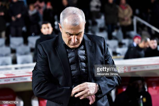 Alain Casanova head coach of Toulouse during the Ligue 1 match between Nimes and Toulouse at Stade des Costieres on January 19 2019 in Nimes France