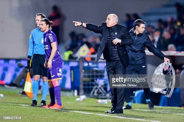 Alain Casonova head coach of Toulouse during the Ligue 1 match between Nimes and Toulouse at Stade des Costieres on January 19 2019 in Nimes France