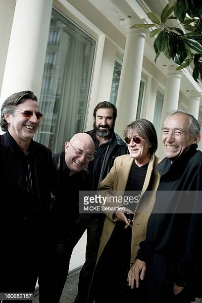 Alain Corneau Film director of the film 'second wind' poses with his actors Of g a dr Daniel Auteuil Michel Blanc Eric Cantona and Jacques Dutronc