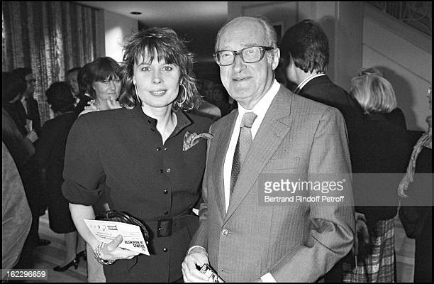 Alain Decaux and Candice Patou at Theatre Marigny for the play Les Brumes De Manchester in 1986