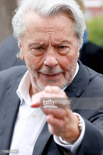 Alain Delon attends the photocall for Palme D'Or D'Honneur during the 72nd annual Cannes Film Festival on May 19, 2019 in Cannes, France.