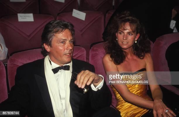 Alain Delon avec sa femme Rosalie van Breemen pour le film 'Le Retour de Casanova' au 45eme Festival de Cannes le 9 mai 1992 a Cannes France