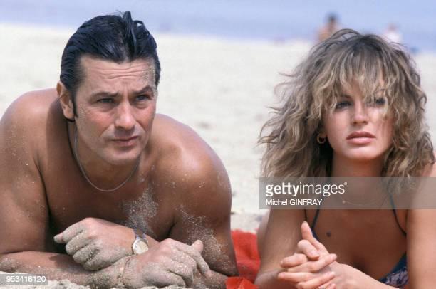 Alain Delon et Dalila Di Lazzaro sur le tournage du film 'Trois hommes à Abattre' réalisé par Jacques Deray en 1980 France