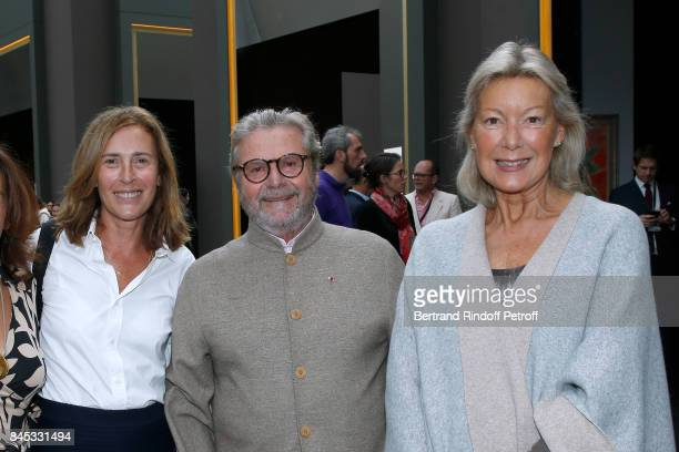 Alain Dominique Perrin standing between his wife Florence and Christine Borgoltz attend the Biennale des Antiquaires 2017 PreOpening at Grand Palais...