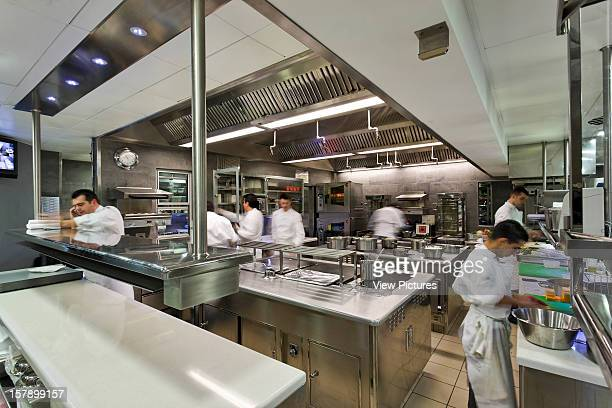 31 095 Commercial Kitchen Photos And Premium High Res Pictures Getty Images