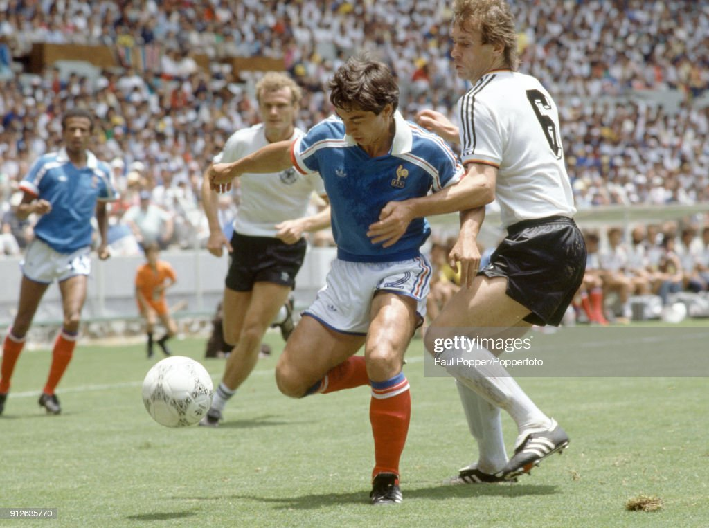 1986 FIFA World Cup Semi-Final - France v West Germany : Photo d'actualité
