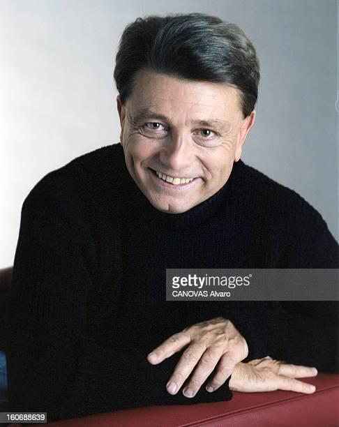 Alain Madelin Candidate For Presidential Election Of 2002 En France à Paris le 19 novembre 2000 Le président de Démocratie libérale Alain MADELIN 54...