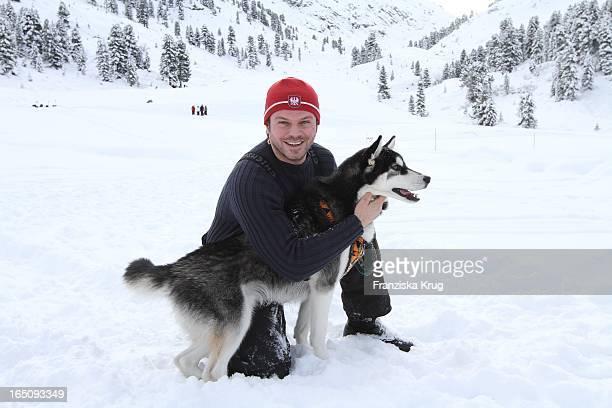 Alain Midzic Beim 1 Promi Schlittenhunderennen Tirol Cross Mountain In Kühtai