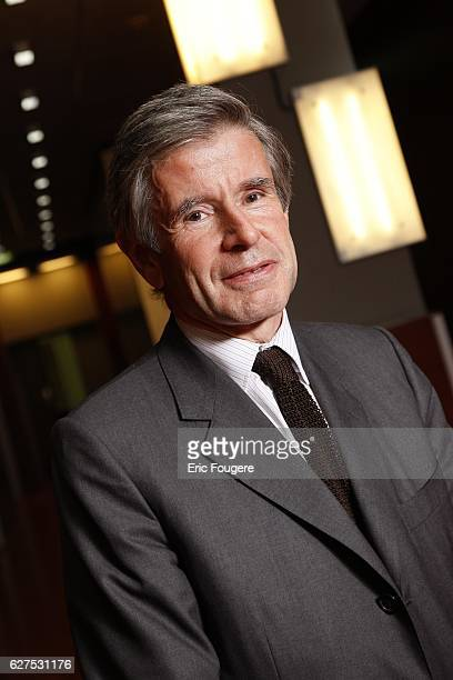 Alain Minc on the set of TV show Ce Soir Ou Jamais
