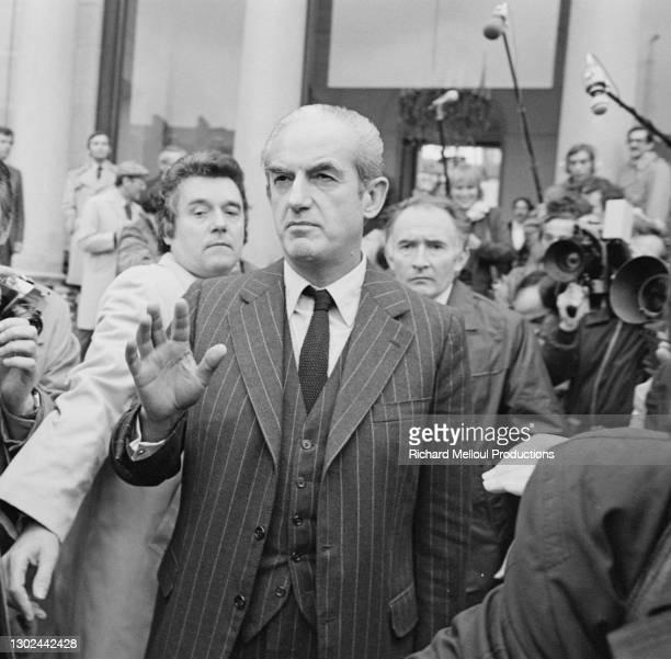 Alain Peyrefitte sortant du Conseil des Ministres qui s'est tenu pour la première fois sans Robert Boulin, retrouvé mort la veille. Robert Boulin...
