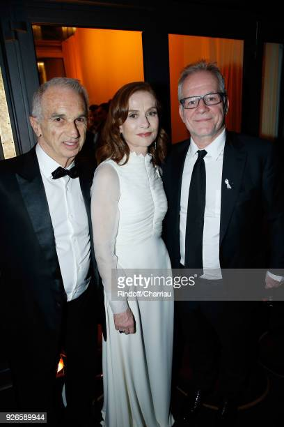 Alain Terzian Isabelle Huppert and Thierry Fremaux attend 'Dinner at Le Fouquet's' during Cesar Film Award 2018 at Le Fouquet's on March 2 2018 in...