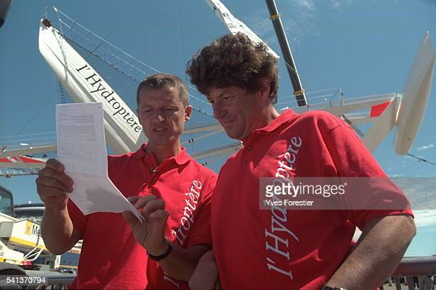 Alain Th{bault skipper and Jean Le Cam during the maneuvers