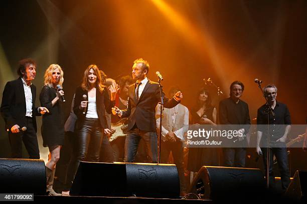 AlainSouchon Sandrine Kimberlain Carla Bruni Ours Pierre Souchon Nolwenn Leroy Francis Cabrel and Vincent Delerm on stage at the 10th Charity Gala...