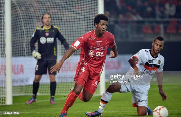 GIL / Alaixys ROMAO Valenciennes / Lorient 9e journee de Ligue 1 Photo Dave Winter / Icon Sport