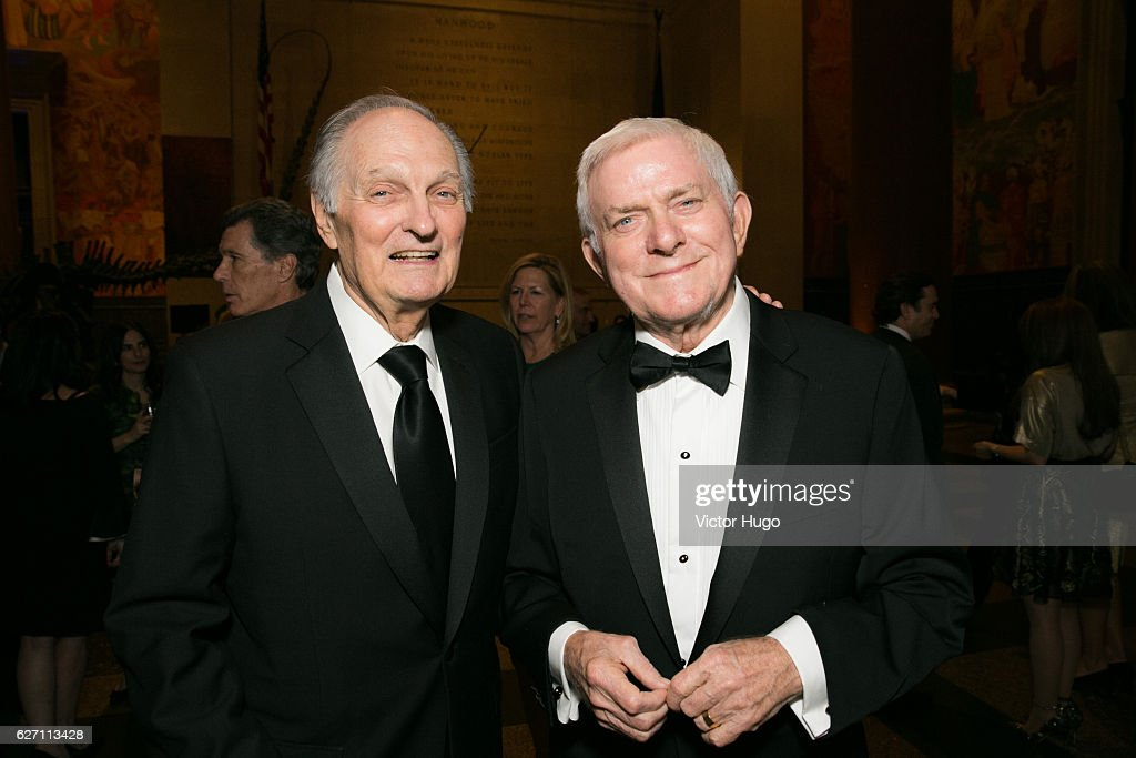 Alan Alda and Phil Donahue attend old Spring Harbor Laboratory's Double Helix Medals at American Museum of Natural History on December 1, 2016 in New York City.