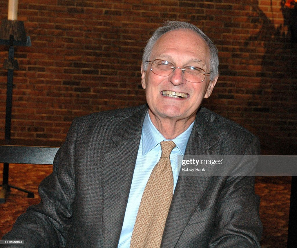 """Alan Alda Signs His Book """"Never Have Your Dog Stuffed"""""""