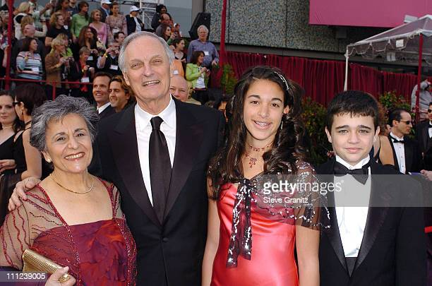 Alan Alda nominee Best Actor in a Supporting Role for 'The Aviator' with wife Arlene and family
