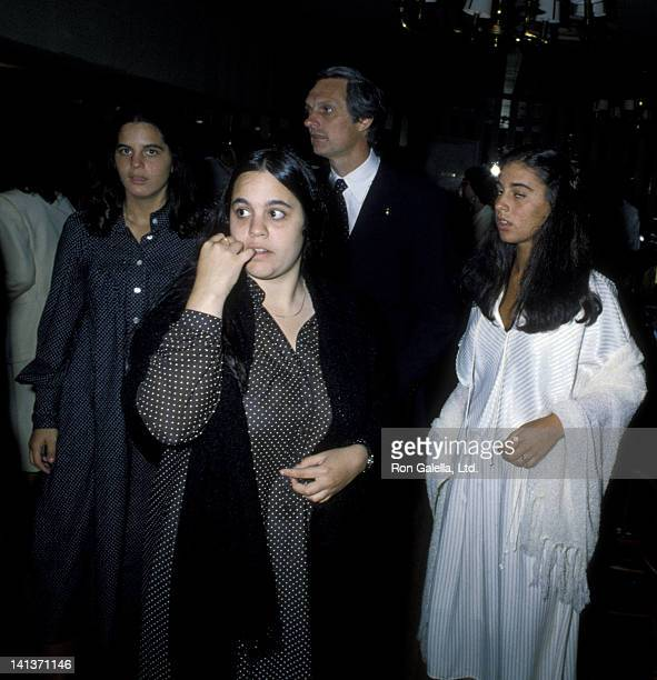 Alan Alda wife Arlene Weiss and daughters Elizabeth Alda Eve Alda and Beatrice Alda attend 19th Birthday Party for Elizabeth Alda on August 15 1979...