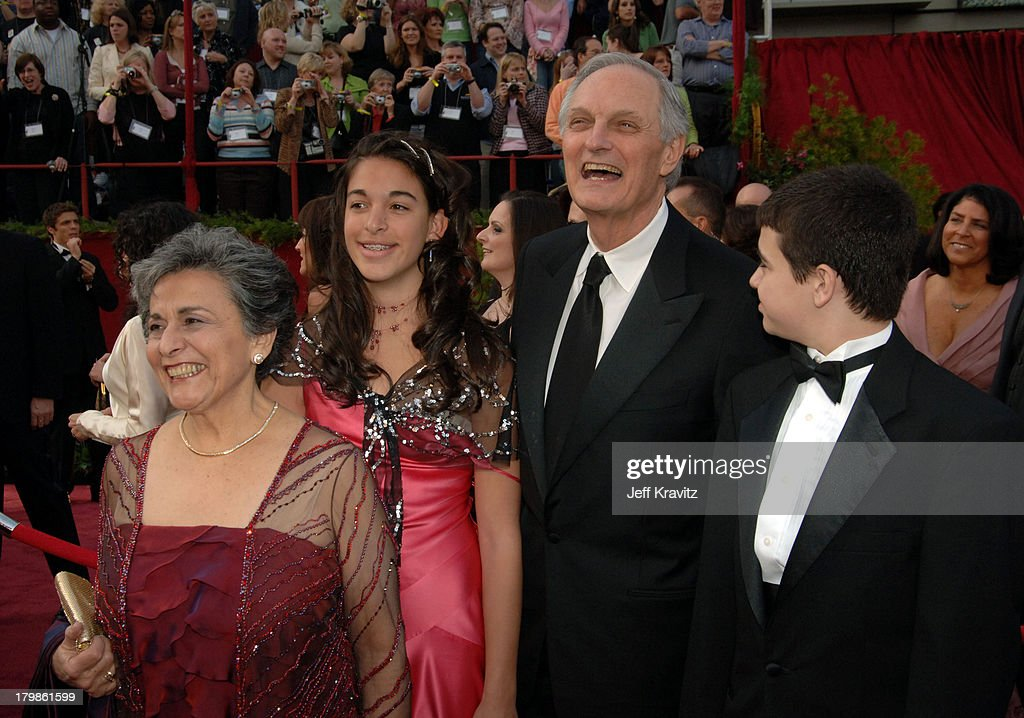 The 77th Annual Academy Awards - Arrivals : News Photo