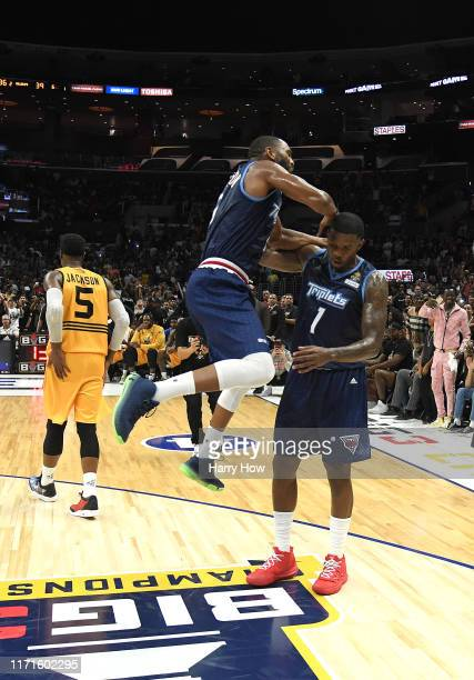 Alan Anderson celebrates after teammate Joe Johnson of the Triplets made the final basket to win the BIG3 Championship over the Killer 3s at Staples...