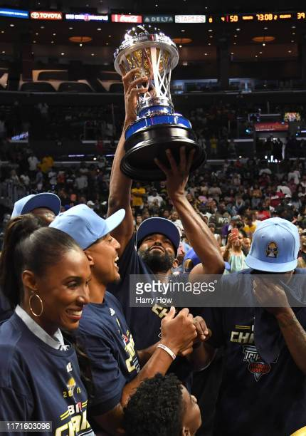 Alan Anderson of the Triplets raising the trophy after winning the BIG3 Championship over the Killer 3s at Staples Center on September 01, 2019 in...