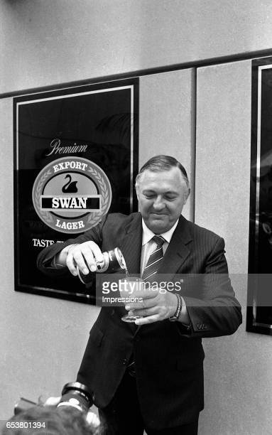 Alan Bond at a function for Swan Lager which was owned by Bond Corporation Alan Bond was an Australian businessman noted for his highprofile business...