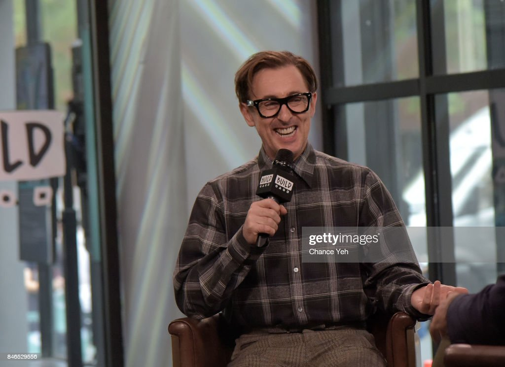 Alan Cumming attends Build series to discuss 'The Adventures of Honey & Leon' at Build Studio on September 13, 2017 in New York City.