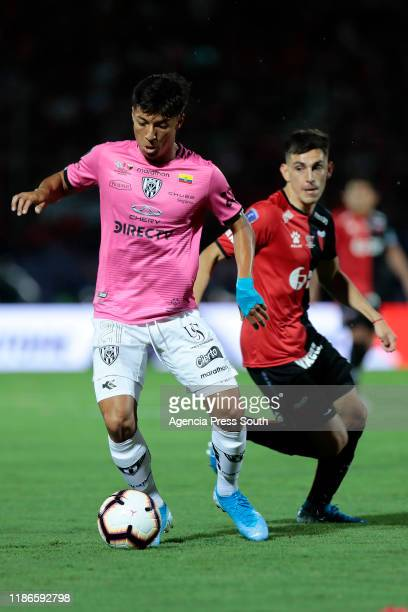 Alan Franco of Independiente del Valle controls the ball during the final of Copa CONMEBOL Sudamericana 2019 between Colon and Independiente del...