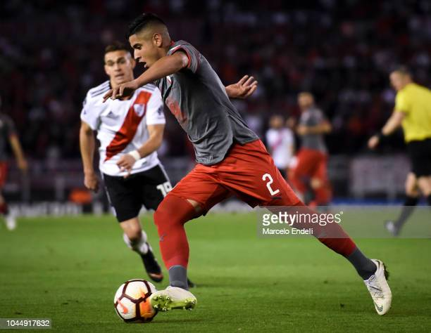 Alan Franco of Independiente drives the ball during a quarter final second leg match of Copa CONMEBOL Libertadores 2018 between River Plate and...