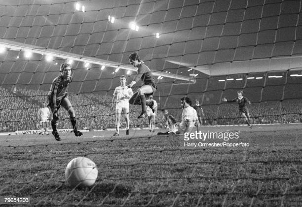 5th November 1980 Anfield Liverpool European Cup Second Round Second Leg Liverpool 2 v Aberdeen 0 A delighted Alan Hansen leaps for joy after scoring...