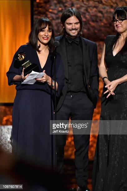 Alan Hicks Rashida Jones and Paula DuPre Pesmen accept the award for Best Music Film for 'Quincy Quincy Jones' during the premiere ceremony during...