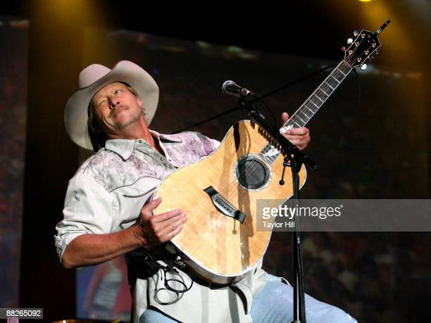 Alan Jackson performs during the 2009 BamaJam Music & Arts Festival at Corner of Hwy 167 and County Road 156 on June 5, 2009 in Enterprise, Alabama.
