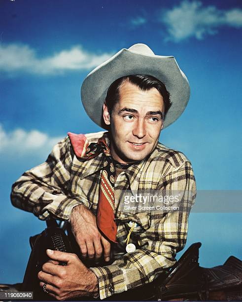 Alan Ladd , US actor, in costume in a publicity portrait for the film ''Whispering Smith', USA, circa 1948. The 1948 western, directed by Leslie...