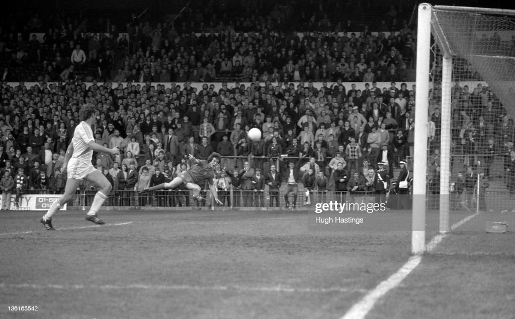 Alan Mayes of Chelsea shoots during the Division 2 match between Crystal Palace and Chelsea at Selhurst Park on April 12,1982 in London,England. Chelsea won the match 1-0.