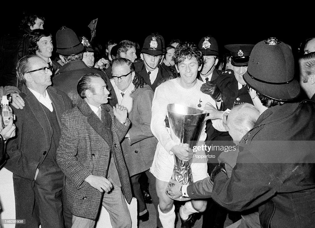 UEFA Cup Final 2nd Leg  -  Tottenham Hotspur v Wolverhampton Wanderers : News Photo