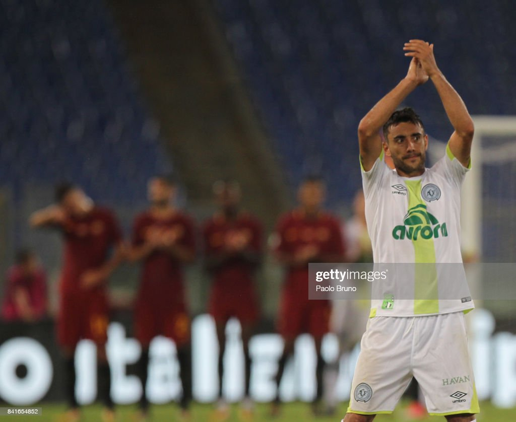 Alan of Chapecoense greets the fans during the friendly match between AS Roma and Chapecoense at Olimpico Stadium on September 1, 2017 in Rome, Italy.