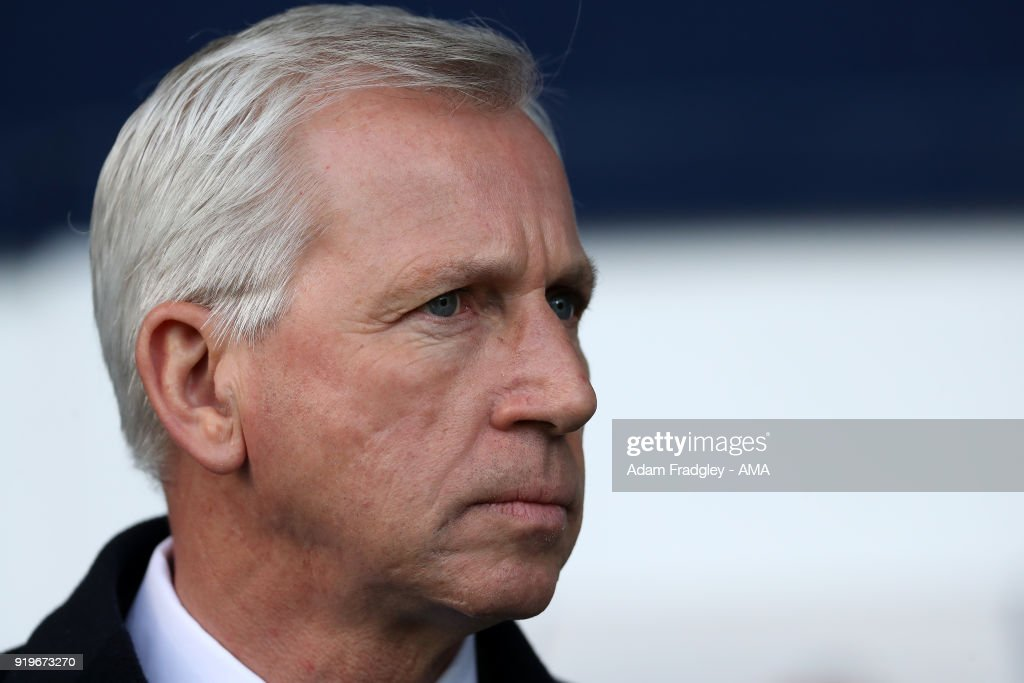 Alan Pardew head coach / manager of West Bromwich Albion during the Emirates FA Cup Fifth Round between West Bromwich Albion and Southampton at The Hawthorns on February 17, 2018 in West Bromwich, England.