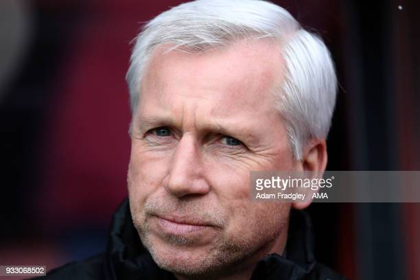 Alan Pardew head coach / manager of West Bromwich Albion during the Premier League match between AFC Bournemouth and West Bromwich Albion at Vitality...