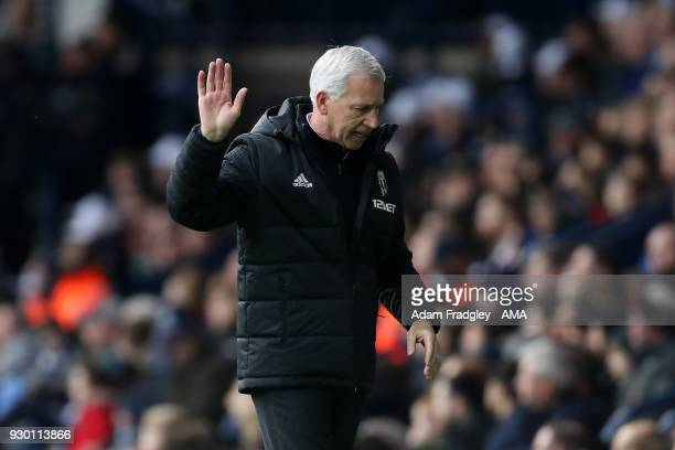 Alan Pardew head coach / manager of West Bromwich Albion reacts after his side go from leading 10 to trailing 13 during the Premier League match...