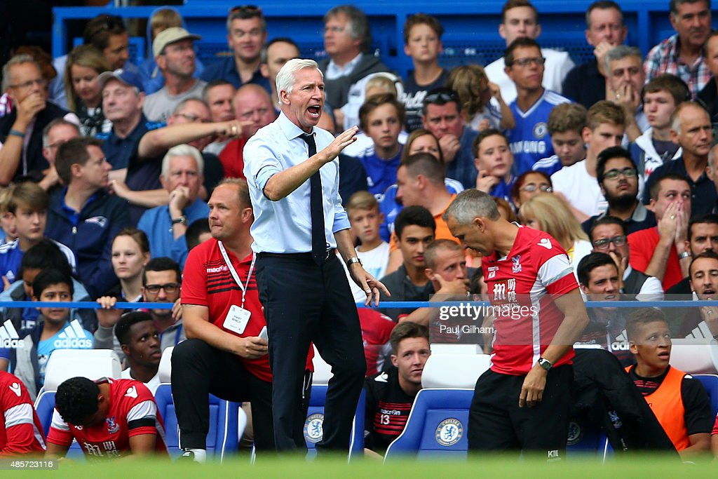Alan Pardew Manager of Crystal Palace gestures in the Barclays Premier League match between Chelsea and Crystal Palace at Stamford Bridge on August 29, 2015 in London, England.