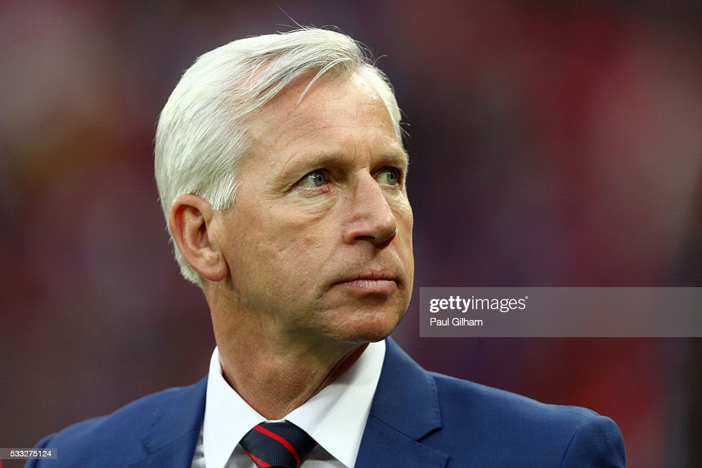 Alan Pardew Manager of Crystal Palace looks on after defeat in The Emirates FA Cup Final match between Manchester United and Crystal Palace at Wembley Stadium on May 21, 2016 in London, England.