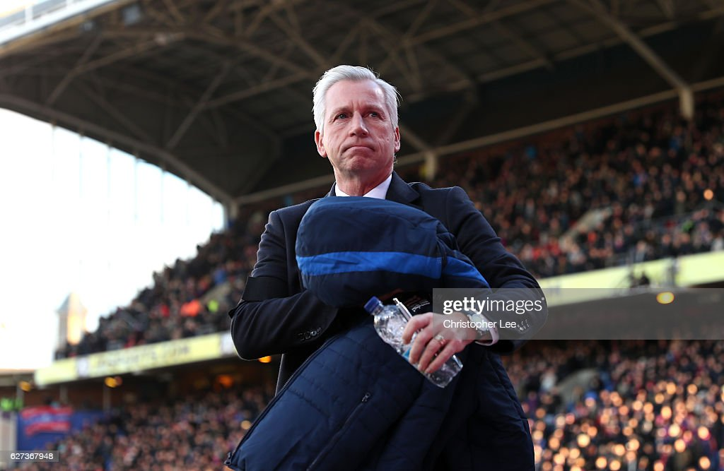 Alan Pardew manager of Crystal Palace looks on prior to the Premier League match between Crystal Palace and Southampton at Selhurst Park on December 3, 2016 in London, England.