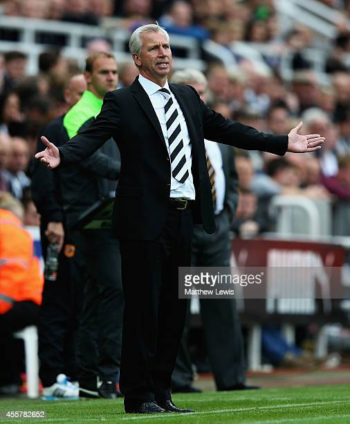 Alan Pardew manager of Newcastle United looks on during the Barclays Premier League match between Newcastle United and Hull City at St James' Park on...