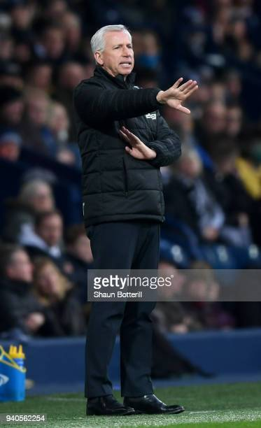 Alan Pardew Manager of West Bromwich Albion gives instruction to his team during the Premier League match between West Bromwich Albion and Burnley at...