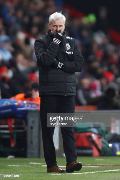 Alan Pardew Manager of West Bromwich Albion reacts during the Premier League match between AFC Bournemouth and West Bromwich Albion at Vitality...